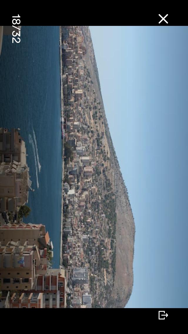 Papafingo 1+1 me pamje nga deti