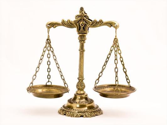 konsulence ligjore
