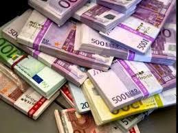 Kerkoj njeri biznesmen zyrtar ose politikan jam 42.173 75 kg shqiperi e europe