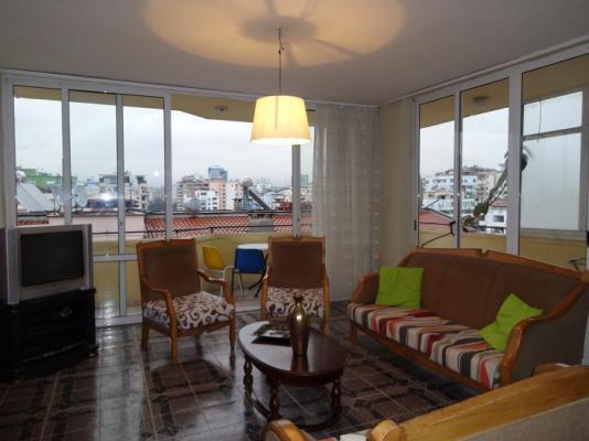 Apartament me Qera Ne Bllok , Rruga Pjeter Bogdani , 2+1 , 400 Euro