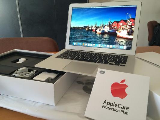 Apple MacBook Air versionin e ri blej 2 dhe per te marre 1 Fress
