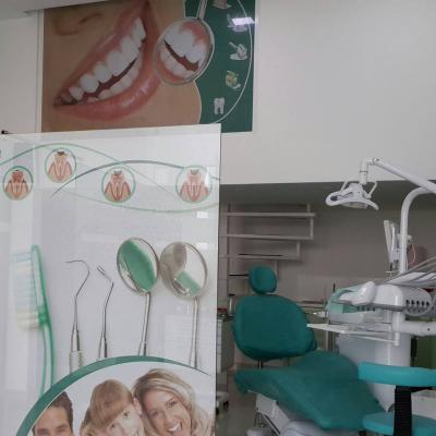 Klinika Dentare Dhori Hanxhari