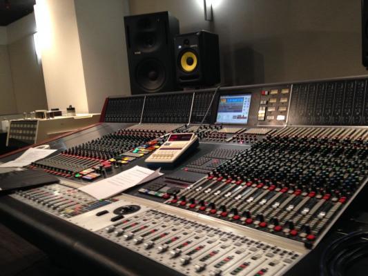 Behringer X32 Yamaha Soundcraft PreSonus Midas Allen & Heath dhe te tjere