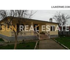 Shtëpi private në shitje tek Ura e Thive