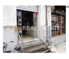 Dyqan në shitje te Ura Dervishbeg