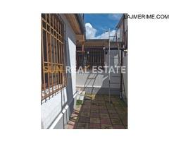 """Shtëpi private në shitje në rrugën """"Kokej"""""""