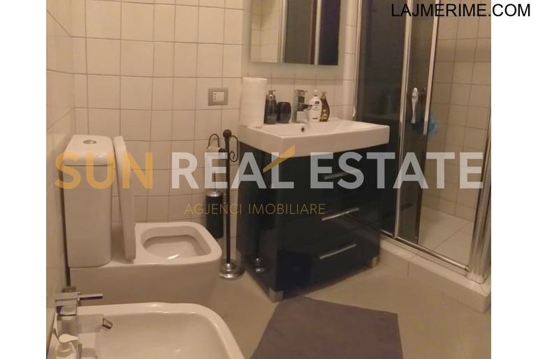 OKAZION: Apartament 2+1 në shitje tek Ura Dervishbeg