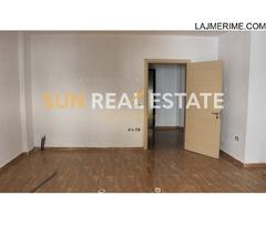 """Apartament 2+1 në shitje, pranë teatrit """"Migjeni"""""""