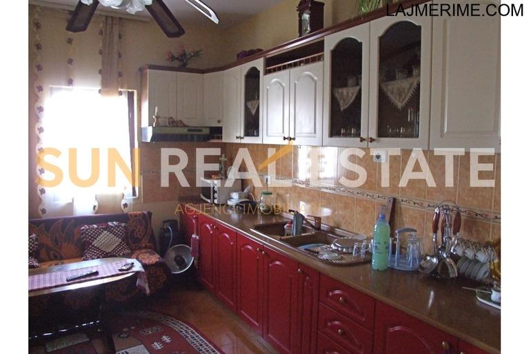 """Shtëpi private në shitje tek lagjja """"Mark Lula"""""""