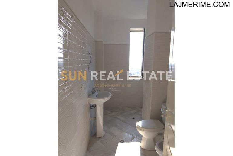 Apartament 2+1 për shitje në rrugën Pogej