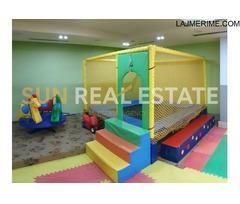Ambient biznesi me qira bar dhe lojra për fëmijë