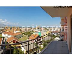 Apartament 2+1 për shitje tek shkolla Oso Kuka