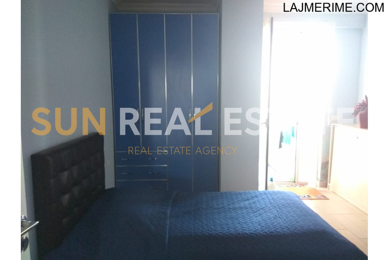 Apartament 3+1 me qira tek markata në Rus