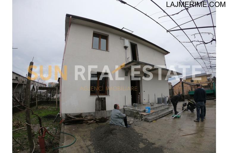 Shtëpi private dy-katëshe me qira