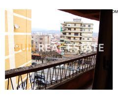 Apartament 3+1 me qira në rrugen ''Martin Camaj''