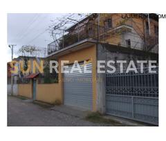 Vilë 3-katëshe per shitje ne lagjen Mar' Lula