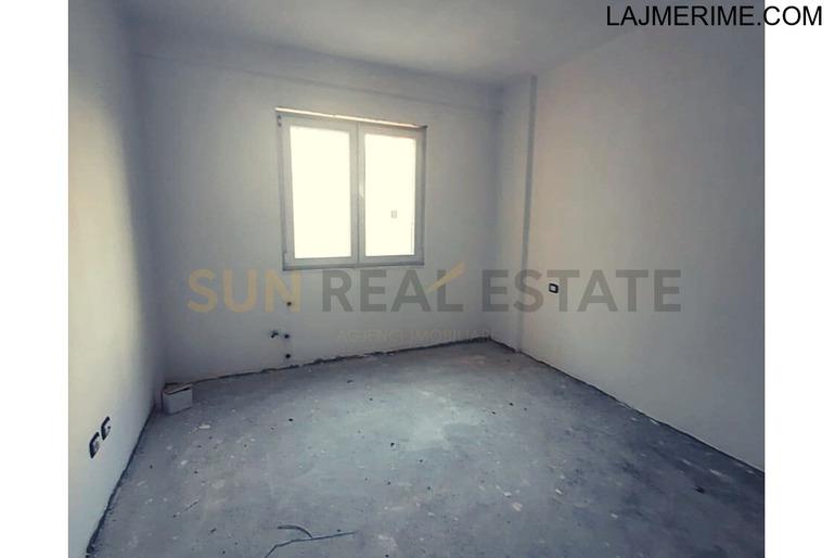 Apartament 2+1 për shitje tek rruga ''Gurakuqeve''