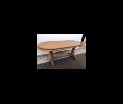 Shitet tavolina e drurit