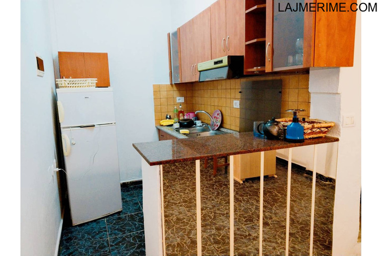 Tirane, shes garsonier 1+1 Kati 0, 1.000 Euro (Rr. Naim Frasheri)